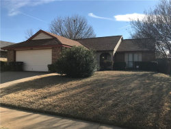 Photo of 3845 Seven Gables Street, Fort Worth, TX 76133 (MLS # 13752619)