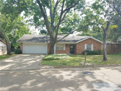 Photo of 705 White Oak Lane, Arlington, TX 76012 (MLS # 13782515)