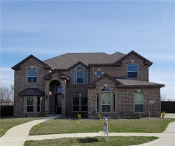 Photo of 1523 Diamond Creek Lane, Kennedale, TX 76060 (MLS # 13788474)