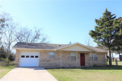 Photo of 1703 Aster Street, Gainesville, TX 76240 (MLS # 13801885)
