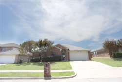 Photo of 815 Parkhill Drive, Mansfield, TX 76063 (MLS # 13822808)
