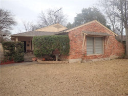 Photo of 6305 Ravendale Lane, Dallas, TX 75214 (MLS # 13835251)
