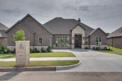 Photo of 4433 Knoll Ridge Drive, Fort Worth, TX 76008 (MLS # 13844338)