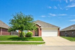Photo of 945 Mazatlan Drive, Arlington, TX 76002 (MLS # 13846929)