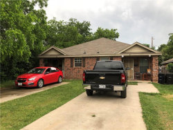 Photo of 1613 E Powell Avenue, Fort Worth, TX 76104 (MLS # 13852140)