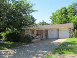 Photo of 1700 MORNINGSIDE, Gainesville, TX 76240 (MLS # 13868053)
