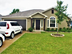 Photo of 1720 Post Oak Court, Denton, TX 76209 (MLS # 13868130)