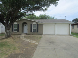 Photo of 1620 S Hughes Avenue, Fort Worth, TX 76105 (MLS # 13869544)
