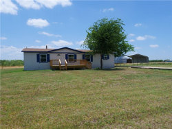 Photo of 1004 County Road 143, Kaufman, TX 75142 (MLS # 13880370)