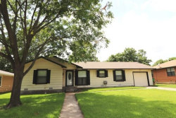 Photo of 1115 Whaley Drive, Gainesville, TX 76240 (MLS # 13884994)