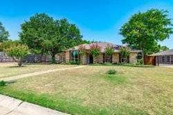 Photo of 400 Doubletree Drive, Highland Village, TX 75077 (MLS # 13906225)