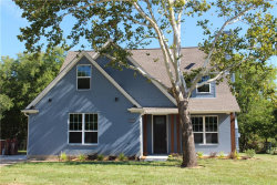 Photo of 1323 Bellaire, Grapevine, TX 76051 (MLS # 13928324)