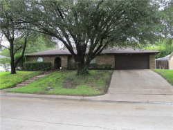 Photo of 1405 Ems Road W, Fort Worth, TX 76116 (MLS # 13937292)