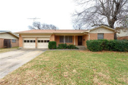 Photo of 1122 Hillcrest Street, Denton, TX 76201 (MLS # 13953115)