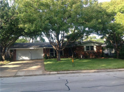 Photo of 2708 Covert Avenue, Fort Worth, TX 76133 (MLS # 13957454)