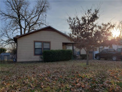 Photo of 504 Walter Road, Gainesville, TX 76240 (MLS # 13985554)