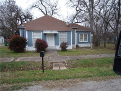 Photo of 301 E 2nd North Street, Kaufman, TX 75142 (MLS # 13993148)
