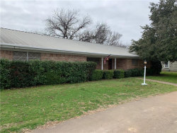 Photo of 901 W Union Street, Jacksboro, TX 76458 (MLS # 14002120)