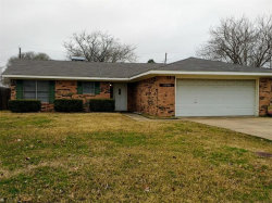 Photo of 5506 Greenbriar, Greenville, TX 75402 (MLS # 14005521)