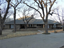 Photo of 147 Quail Run Run, Jacksboro, TX 76458 (MLS # 14017508)