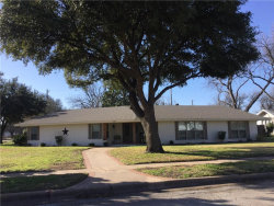 Photo of 401 W Payne, Olney, TX 76374 (MLS # 14021598)
