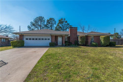 Photo of 22 Haven Circle, Denison, TX 75020 (MLS # 14039276)