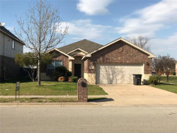 Photo of 412 Goldstone Lane, Fort Worth, TX 76131 (MLS # 14040533)