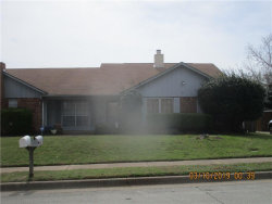 Photo of 505 Augustine Drive, Euless, TX 76039 (MLS # 14042199)