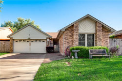 Photo of 516 Valley Mills Drive, Arlington, TX 76018 (MLS # 14067778)