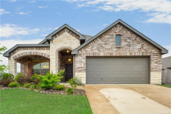Photo of 1712 Chivalry Lane, Fort Worth, TX 76140 (MLS # 14070536)