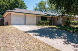 Photo of 507 Simmons Drive, Euless, TX 76040 (MLS # 14087167)