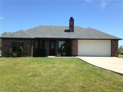 Photo of 1009 Kiowa Drive E, Lake Kiowa, TX 76240 (MLS # 14095076)