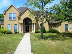 Photo of 124 Parkers Court, Runaway Bay, TX 76426 (MLS # 14109366)