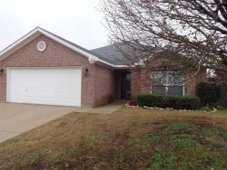 Photo of 10509 Fossil Hill Drive, Fort Worth, TX 76131 (MLS # 14123386)