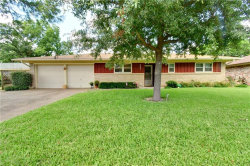 Photo of 207 Primrose, Euless, TX 76039 (MLS # 14140828)