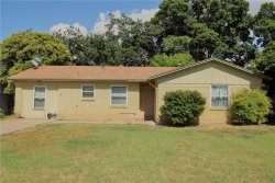 Photo of 2009 S Pine Street, Brady, TX 76825 (MLS # 14141380)