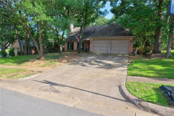 Photo of 414 Knoll Wood Court, Euless, TX 76039 (MLS # 14142367)