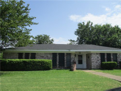 Photo of 372 Heirloom Drive, Fort Worth, TX 76134 (MLS # 14145865)