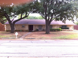 Photo of 132 Campbell Drive, Lewisville, TX 75057 (MLS # 14206324)