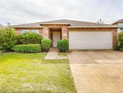 Photo of 710 Harris Ridge Drive, Arlington, TX 76002 (MLS # 14211283)