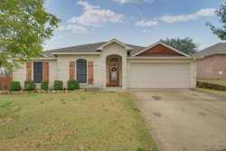 Photo of 1125 Parkview Trail, Kennedale, TX 76060 (MLS # 14219641)