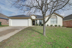 Photo of 1708 Country Crest Lane, Mansfield, TX 76063 (MLS # 14261727)