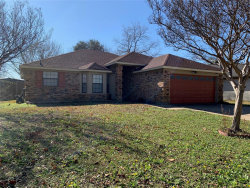 Photo of 1712 Greenbend Drive, Arlington, TX 76018 (MLS # 14265068)