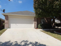Photo of 11933 Gold Creek Drive E, Fort Worth, TX 76244 (MLS # 14266814)