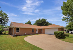 Photo of 4908 Cockrell Avenue, Fort Worth, TX 76133 (MLS # 14340187)