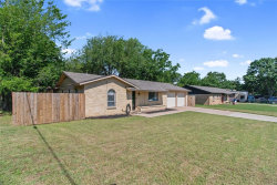 Photo of 101 Briarwood Drive, Kennedale, TX 76060 (MLS # 14345618)