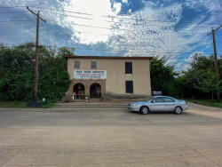 Photo of 204 S 1st Avenue, Mansfield, TX 76063 (MLS # 14380439)