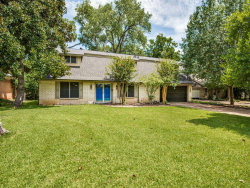 Photo of 501 Westcliff Drive, Euless, TX 76040 (MLS # 14386712)