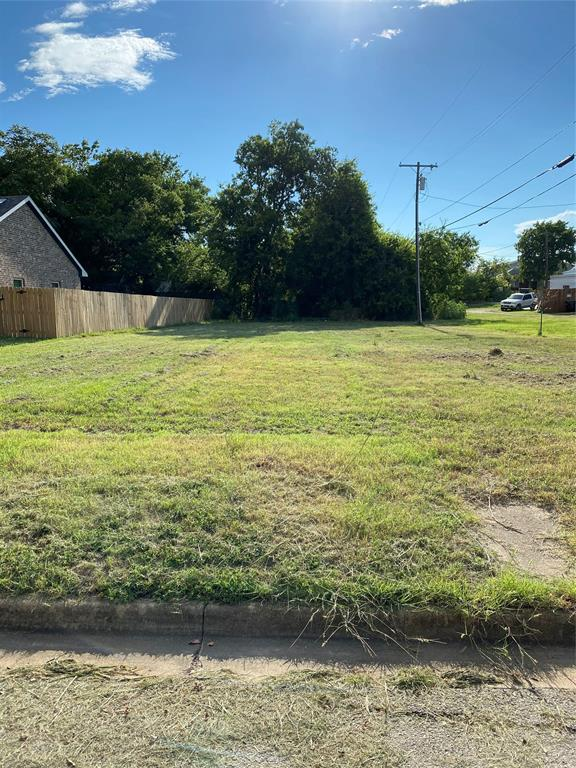 Photo for 413 N Maurice Avenue, Lot 10, Denison, TX 75020 (MLS # 14392465)