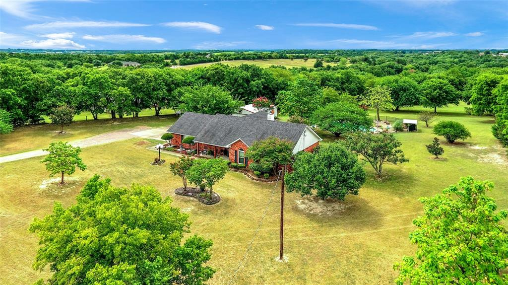 Photo for 550 Cedar Road, Sherman, TX 75090 (MLS # 14401662)